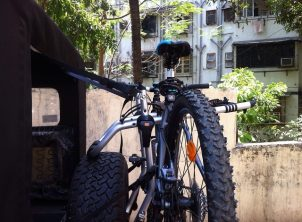 Mahindra-Thar-Bicycle-Hanger